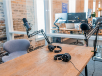 Celebrating International Podcast Day: 4 Brands Killing it with Influencer Marketing in Audio